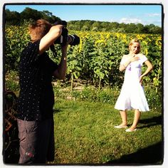 Seance photo en campagne Photos, White Dress, Instagram Posts, Dresses, Fashion, Photo Shoot, Rural Area, Vestidos, Moda