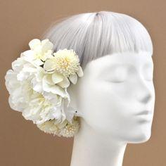 髪飾り・ヘッドドレス/白小菊と芍薬の髪飾り_ウェディングヘッドドレス&花髪飾りairaka