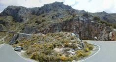 Haarspeldbochten in het Sierra de Grazalema natuurgebied