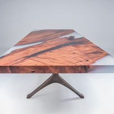 Redwood and resin table from 👏 We can't wait to try one of these tables with some of our more unique slabs! Wood Resin Table, Concrete Table, Wood Table, Dining Room Table, Resin Furniture, Modern Furniture, Furniture Design, Wood Design, Decoration