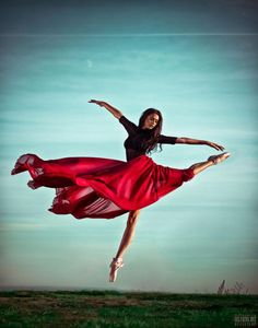 Levitate Me.   Dance for the moment: 25 timeless dance steps captured