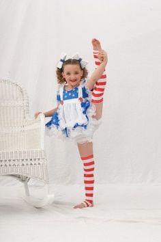 Kendall Vertes as a baby Dance Moms Memes, Dance Moms Costumes, Dance Moms Funny, Dance Moms Dancers, Dance Mums, Dance Moms Girls, Dance Outfits, Dance Dreams, Kendall Vertes