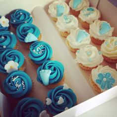 Mini cupcakes baby shower garçons