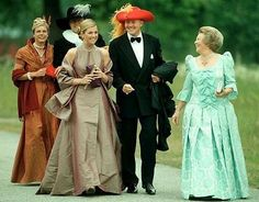Dutch Royal Family - looks like a costume event!?
