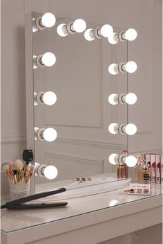 This is what make up dreams are made of girls! This is our XL pro hollywsood mirror which features a sleek white design with 12 LED frosted light bulbs- essential for ensuring a flawless skin finish all My New Room, My Room, Vanity Room, Vanity Mirrors, Mirror Bathroom, Glam Mirror, Retro Mirror, Mirror Room, Light Up Mirror Vanity