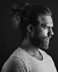 Guy with perfect, manbun & beard Norwegian Men, Viking Wedding, Natural Hair Styles, Long Hair Styles, Beard Styles For Men, Beard Tattoo, Raining Men, Black And White Portraits, Beautiful Long Hair