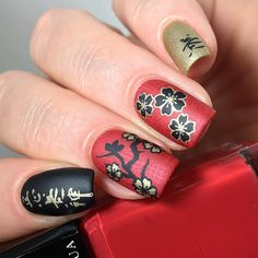 Happy Chinese New Year 🐲🏯🐉🏮🐶 Now in my head.my Chinese script (?) says 'Happy New Year'.or at least maybe 'Health, Wealth and… Polygel Nails, New Year's Nails, Nail Manicure, Hair And Nails, Manicure Ideas, Nail Ideas, Light Nail Polish, Light Nails, Nail Polish Art