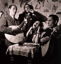 Toni Frissell: Fado singer in Portuguese night club, Lisbon, 1946