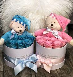 The rose company london - rose box Bouquet Cadeau, Candy Bouquet Diy, Bouquet Box, Diy Flower Boxes, Flower Box Gift, Cute Birthday Gift, Diy Birthday, Baby Gift Hampers, Cuisines Diy