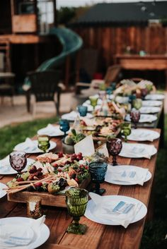Camping inspired - 10 Tips for Planning a Camping Inspired Wedding – Camping inspired Cute Wedding Ideas, Wedding With Kids, Wedding Inspiration, Unique Wedding Food, Wedding Advice, Wedding Planning, Family Style Weddings, Simple Weddings, White Weddings