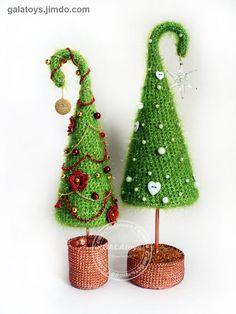 Ёлки зелёные :) Crochet Christmas Decorations, Homemade Christmas Decorations, Crochet Christmas Ornaments, Christmas Toys, Crochet Flower Tutorial, Crochet Flowers, Animal Rug, Cone Christmas Trees, Crochet Accessories