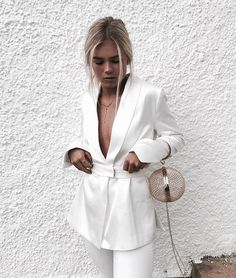 all white outfit White Outfits, Casual Outfits, Fashion Outfits, Womens Fashion, Fashion Tips, Fashion Trends, Fashion Ideas, Fashion Websites, Outfits Fiesta