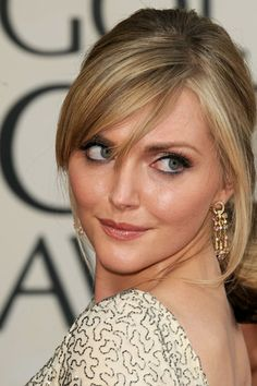 Sophie Dahl with a classic evening-look Color Me Beautiful, Beautiful Eyes, Summer Hairstyles, Wedding Hairstyles, Soft Bangs, Sophie Dahl, Cult Of Personality, Hair Health, Model Photos