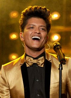 Bruno Mars is just so damn cool!! i love his voice, his songs are so amazing,yee, cause u are amazing :)
