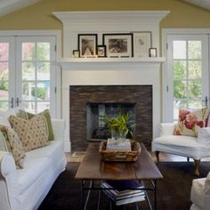 LOVE this fireplace...even looks like our family room @the new house! Doing this...someday ;)