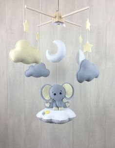 Baby mobile - elephant mobile - baby crib mobile - cloud mobile - elephant baby mobile star - yellow and grey nursery - nursery mobile Diy Mobile, Hanging Mobile, Baby Crib Mobile, Baby Cribs, Elephant Baby Showers, Baby Elephant, Dumbo Nursery, Elephant Mobile, Baby Boy Rooms