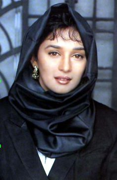 Evergreen Beauty Queen Madhuri Dixit Wallpapers
