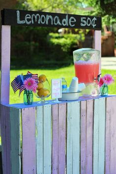 Pallet Wood Lemonade