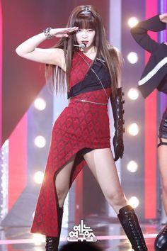 Blackpink Jennie Kill this love stage Kpop Girl Groups, Korean Girl Groups, Kpop Girls, Blackpink Outfits, Stage Outfits, Blackpink Jennie, Love Stage, Blackpink Fashion, Blackpink Jisoo