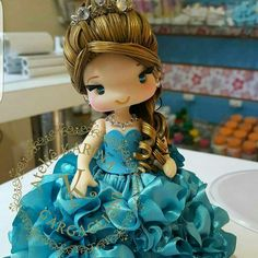 Teresa Gonçalves's media statistics and analytics Masquerade Cakes, Polymer Clay Disney, African Dolls, How To Make Clay, Fondant Decorations, Clay Baby, Clay Figurine, Crepe Paper Flowers, Cute Charms