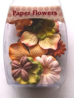 WOODWARE PAPER FLOWERS - AUTUMN      Beautiful pack of Autumn coloured co-ordinated paper flowers in assorted sizes to decorate your creations APPROX 14 FLOWERS.