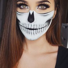 Uploaded by Beauty♡. Find images and videos about makeup, make up and Halloween on We Heart It - the app to get lost in what you love. Image Halloween, Halloween Inspo, Halloween Kostüm, Pretty Halloween, Cheerleader Halloween, Halloween Costumes, Halloween Outfits, Meme Costume, Halloween Skull Makeup
