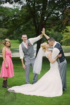 Best man and maid of honor with bride and groom. Funny wedding picture. Kaptivated pixels photography
