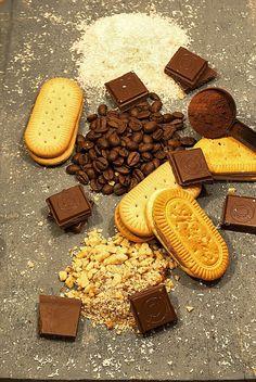Salam de biscuiti Eugenii Chocolate Recipes, Chocolate Cake, Pastry Cake, Ice Cream Recipes, Cheese, Cookies, Desserts, Food, Chicolate Cake