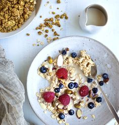Overnight oats with berries Overnight Oats, Oatmeal, Berries, Breakfast, Table, Food, The Oatmeal, Morning Coffee, Rolled Oats