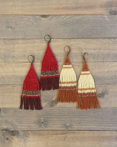 Egyptian fringe earrings made with Miyuki and Toho seed beads. These earrings are very light and beautiful. Perfect for any occasion. This is an original design created by ShurmeeKan Lane. Length 4 Width 1