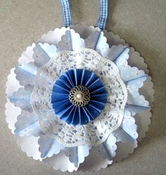 Life Made Creations: Medallion Ornament Tutorial