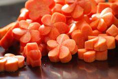 おもてなし料理やお弁当にも。彩り豊かになる食材の飾り切りの仕方。
