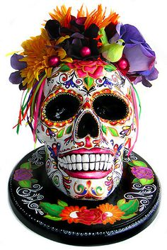 Resultado de imagem para day of the dead skull cake Day Of The Dead Party, Day Of The Dead Skull, Day Of The Dead Cake, Day Of Dead, Mexican Skulls, Mexican Folk Art, Skull Rock, Caveira Mexicana Tattoo, Mexico Day Of The Dead