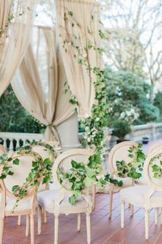 Sometimes the best way to go is all-natural. See our 30 favorite wedding inspiration ideas for a natural touch to your big day: