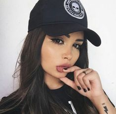 Discover and share the most beautiful images from around the world Beauty Makeup, Hair Makeup, Hair Beauty, Tmblr Girl, Baddie Makeup, Instagram Baddie, Selfie Poses, Hummer, Girls Makeup
