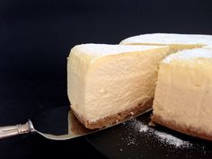 The Lightest Fluffiest Melt-In-Your-Mouthiest New York Style Baked Cheesecake - added for the base recipe New York Baked Cheesecake, Light Cheesecake, Fluffy Cheesecake, Baked Cheesecake Recipe, New York Style Cheesecake, Sweet Desserts, Just Desserts, Sweet Recipes, Delicious Desserts