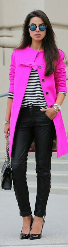 Hermoso el fuccia Looks Street Style, Looks Style, Mode Chic, Mode Style, Look Fashion, Womens Fashion, Fashion Trends, Street Fashion, Fashion Models