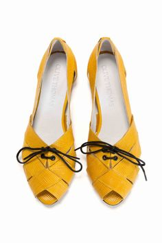 Made with Love for Ivana  Womens Yellow Lace-Up Peep Toe Flat