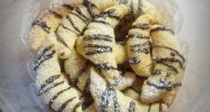 Kókuszos kifli - Lakodalmas sütemények Cookie Desserts, Cookie Recipes, Sweet Cookies, Hungarian Recipes, Polish Recipes, Winter Food, Love Is Sweet, Christmas Cookies, Nutella