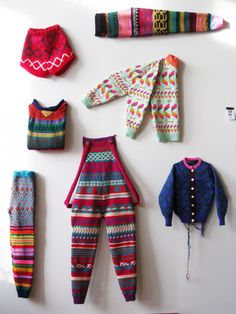 annie larson knits -- wow so cute. one of the few things i've seen that would be hard to find the equivalent in thrift. <3 <3 <3 :)