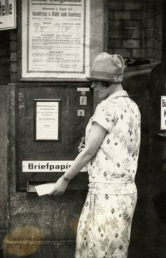 vintage everyday: 30 Amazing Vintage Photographs of Everyday Life in Berlin in the 1920s