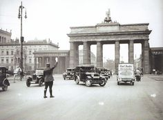 Berlin, Brandenburger Tor, Aufschwung 1936.