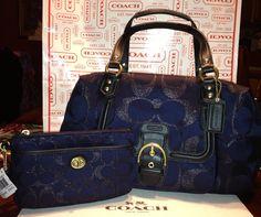 Navy blue Coach purse and matching wristlet. Merry (early) Christmas to me! #navy #blue #Coach #purse #wristlet