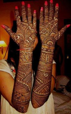 Explore latest Mehndi Designs images in 2019 on Happy Shappy. Mehendi design is also known as the heena design or henna patterns worldwide. We are here with the best mehndi designs images from worldwide. Dulhan Mehndi Designs, Henna Mehndi, Mehendi, Latest Bridal Mehndi Designs, Simple Arabic Mehndi Designs, New Bridal Mehndi Designs, Beautiful Mehndi Design, Best Mehndi Designs, Mehndi Designs For Hands