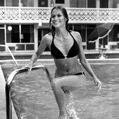 Les plus beaux maillots de bain du cinéma - Lauren Hutton dans Le Lion de Papier