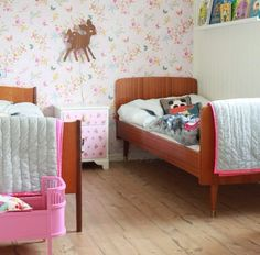How cute are these retro twin beds?