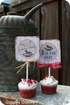 This Lil' Buckaroo Baby Shower is bouncing with fun! Mariah, of Giggles Galore, saddled up these rustic ideas for her cousin's baby shower, and I am happy to… Free Baby Shower Games, Baby Shower Favors, Shower Party, Baby Shower Parties, Baby Shower Themes, Shower Time, Shower Ideas, Cowgirl Baby Showers, Cowboy Baby Shower