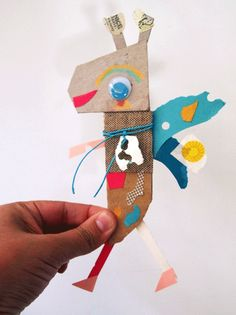 5 creative ways to build a story with children - Cute and Kids Crafts For Teens, Diy For Kids, Arts And Crafts, Cardboard Toys, Paper Toys, Cardboard Playhouse, Cardboard Furniture, Paper Art, Paper Crafts