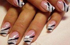 Diseños de uñas con Gel, diseño uñas de gel elegante.   #uñasdecoradas #decoratednails #uñasbonitas