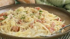 Gonna make this for le bf! This easy and cheesy spaghetti carbonara recipe is a delicious classic meal. Spaghetti Carbonara Recipe from Grandmothers Kitchen. Greek Recipes, Wine Recipes, Food Network Recipes, Pasta Recipes, Italian Recipes, Cooking Recipes, Healthy Recipes, Cabonara Recipes, Pasta Dishes